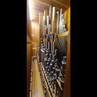 Lübeck, St. Jakobi (Kleine Orgel), Pfeifen im Oberwerk (Schwellwerk)