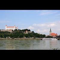 Bratislava (Pressburg), Dóm sv. Martina (Dom St. Martin) - Hauptorgel, Blick vom Petrzalka (Engerau) auf den Dom und die Burg