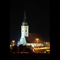 Bratislava (Pressburg), Dóm sv. Martina (Dom St. Martin) - Hauptorgel, Außenansicht des Doms bei Nacht