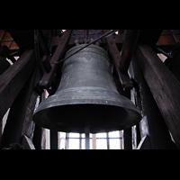 Bratislava (Pressburg), Dóm sv. Martina (Dom St. Martin) - Hauptorgel, Wederin-Glocke von Baltazar Herold (1675, 2.513 kg)