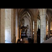 Bratislava (Pressburg), Dóm sv. Martina (Dom St. Martin) - Hauptorgel, Blick von der Orgelempore ins linke Seitenschiff