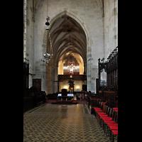 Bratislava (Pressburg), Dóm sv. Martina (Dom St. Martin) - Hauptorgel, Blick vom Chor durch die gesamte Kirche zur Orgel