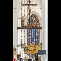 Gdansk (Danzig), Bazylika Mariacka (St. Marien), Chorraum mit Hauptaltar von 1517 und Triumphkreuzgruppe