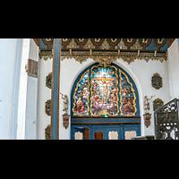 Gdansk (Danzig), Bazylika Mariacka (St. Marien), Buntes Fenster unter der Orgelempore