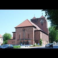 Aschaffenburg, Herz-Jesu-Kirche, Außenansicht vom Chor aus