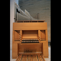 Berlin (Mitte), Katholische Akademie, St. Thomas von Aquin, Orgel mit Spieltisch