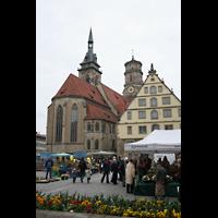 Stuttgart, Stiftskirche (Hauptorgel), Ansicht vom Schillerplatz aus