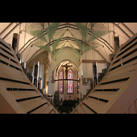 Stuttgart, Stiftskirche (Hauptorgel), Blick über das Rückpositiv in Richtung Chor