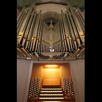 Stuttgart, Stiftskirche (Hauptorgel), Spieltisch und Orgel