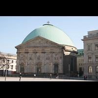 Berlin (Mitte), St. Hedwigs-Kathedrale, Ansicht vom Bebelplatz aus