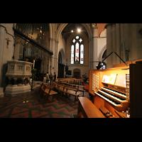 Glasgow, St. Mary's Episcopal Cathedral, Spieltisch und Querhaus