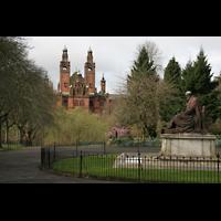 Glasgow, Kelvingrove Museum, Concert Hall, Kelvingrove Museum und Statue von Lord Kelvin im Kelvingrove Park