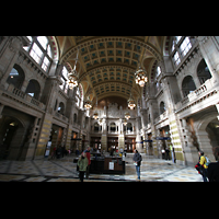 Glasgow, Kelvingrove Museum, Concert Hall, Haupthalle mit Orgel