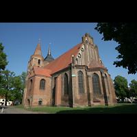 Gransee, Ev. Stadtkirche St. Marien, Seitenansicht vom Chor aus