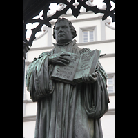 Wittenberg, Stadtkirche, Luther-Statue