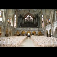 Leipzig, Peterskirche (Kapellenorgel), Innenraum / Hauptschiff in Richtung Orgel