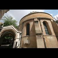 London, Temple Church, Rundkirche von außen