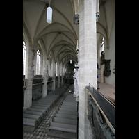 Halle (Saale), Dom (Hauptorgel), Blick von der Seitenempore ins Hauptschiff