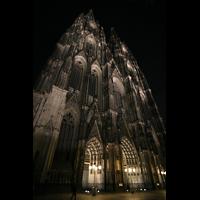 Köln, Dom St.Peter und Maria (Truhenorgel), Front bei Nacht