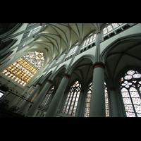 Altenberg, Dom, Westfenster und Gewölbe des Hauptschiffs