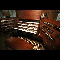 Altenberg, Dom, Spieltisch auf der Orgelempore