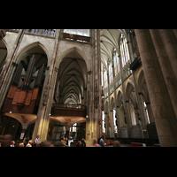 Köln, Dom St.Peter und Maria (Truhenorgel), Querhausorgel  mit Blick in den Chor