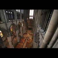 Köln, Dom St.Peter und Maria (Truhenorgel), Blick vom Spieltisch der Langhausorgel in den Chor