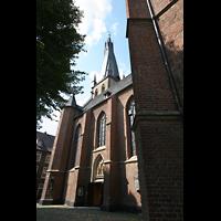 Düsseldorf, Basilika St. Lambertus, Seitenansicht