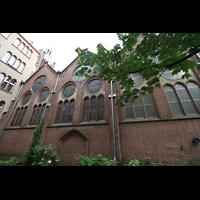 Berlin (Wilmersdorf), Heilig-Kreuz-Kirche, Seitenansicht