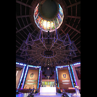 Liverpool, Metropolitan Cathedral of Christ the King, Orgel und Dach