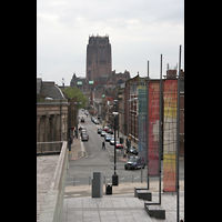 Liverpool, Anglican Cathedral (Hauptorgelanlage), Blick vom Mount Pleasant / Metropolitan Cathedral zur Anglican Cathedral