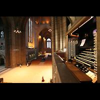 Liverpool, Anglican Cathedral (Hauptorgelanlage), Blick vom Spieltisch in Richtung Westwand