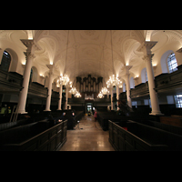 London, St. Martin-in-the-Fields, Innenraum / Hauptschiff in Richtung Orgel