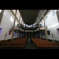 Karlsruhe, Stadtkirche (Chororgel), Innenraum / Hauptschiff in Richtung Hauptorgel