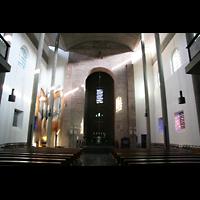Karlsruhe, Stadtkirche (Chororgel), Innenraum / Hauptschiff in Richtung Chor und Chororgel