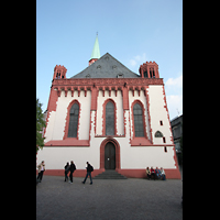 Frankfurt am Main, Alte Nikolaikirche (Positiv), Fassade und Hauptportal