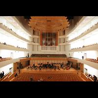 Luzern, KKL - Kultur- und Kongresszentrum, Innenraum / Hauptschiff in Richtung Orgel