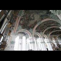 Sankt Gallen (St. Gallen), Kathedrale (Chororgel), Deckengewölbe und Pfeifen der Hauptorgel