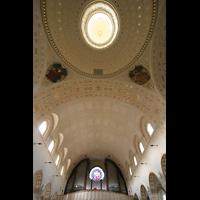 Sankt Gallen (St. Gallen) - Neudorf, St. Maria, Decke mit Fernwerksöffnung unterhalb der Kuppel