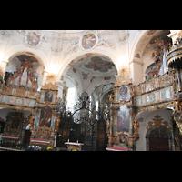 Muri, Klosterkirche (Chorpositiv), Evangelienorgel, Chorraum und Epistelorgel, beleuchtet