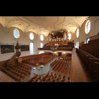 Horgen, Reformierte Kirche, Innenraum / Hauptschiff in Richtung Orgel