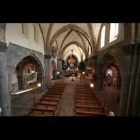 Chur, Kathedrale St. Mariae Himmelfahrt (Chororgel), Blick von der Orgelempore ins Hauptschiff