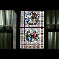 Chur, Kathedrale St. Mariae Himmelfahrt (Chororgel), Orgelprospekt mit Fenster