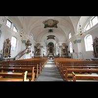 Näfels, St. Hilarius, Innenraum / Hauptschiff in Richtung Chor