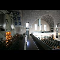 Berlin - Pankow, Hoffnungskirche, Orgel und Innenraum