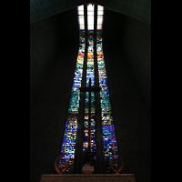 Berlin (Wilmersdorf), Ev. Kirche am Hohenzollernplatz (Hauptorgel), Fenster im Chorraum