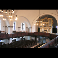 Berlin (Lichtenberg), Kirche zur frohen Botschaft, Karlshorst (Amalien-Orgel), Innenraum mit Blick zur Orgel