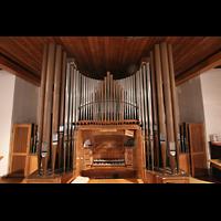 Berlin (Zehlendorf), Ernst-Moritz-Arndt-Kirche, Orgelprospekt und Spieltisch