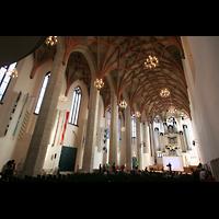 Halle (Saale), Konzerthalle (ehem. Ulrichskirche), Innenraum / Hauptschiff in Richtung Hauptorgel