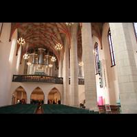 Halle (Saale), Konzerthalle (ehem. Ulrichskirche), Innenraum / Hauptschiff in Richtung Emporenorgel